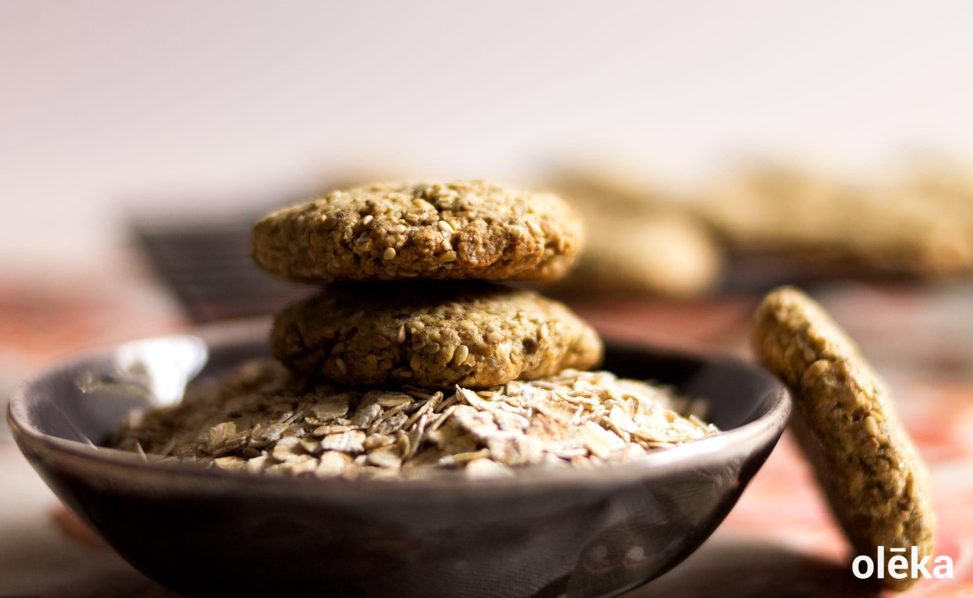 galletas integrales de centeno, avena y sesamo
