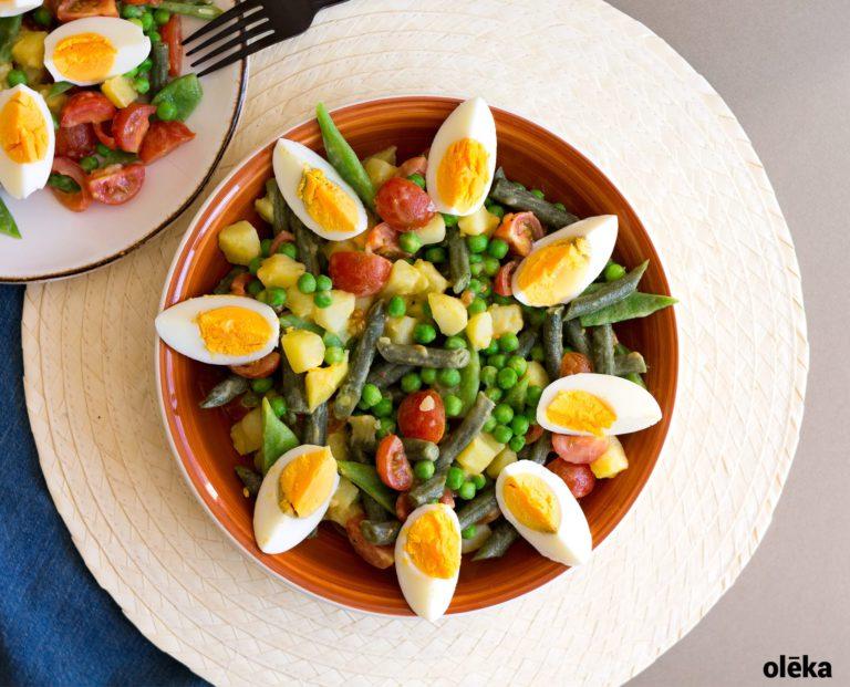 ensalada de judias huevo tomate