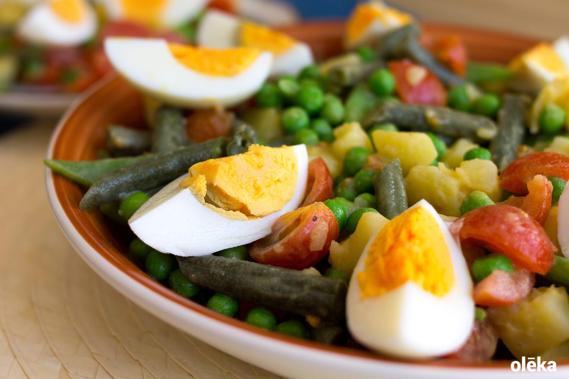 ensalada de judias tomate huevo